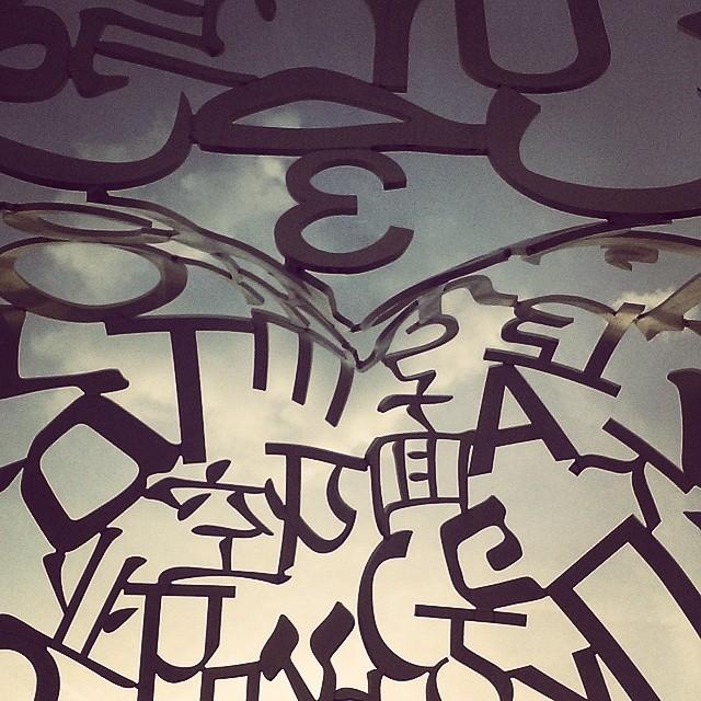 frankfurt goetheuni in einem Kopf aus Buchstaben auf einem sehrhellip