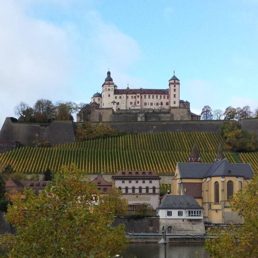 Der Blick aus dem Tagungsraum Heute in Wrzburg sketchnoteloversontour sketchnotelovershellip